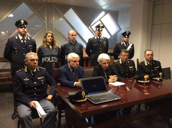 Truffe ad anziani in tutta Italia, arrestati napoletani