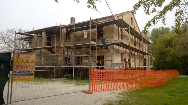 Partiti i lavori di ristrutturazione alla casa cea di via capanne cronache ancona - Lavori di ristrutturazione casa ...