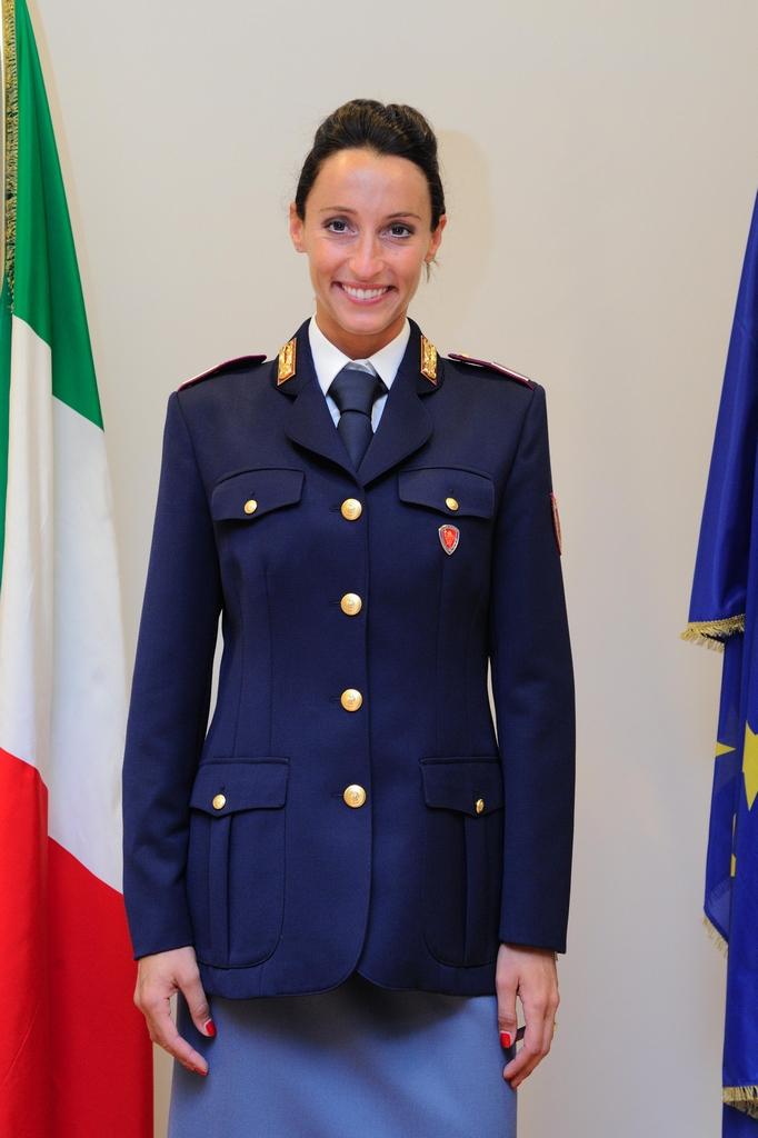 Vezzali e di francisca tra i migliori atleti fiamme oro for Polizia di stato roma permesso di soggiorno