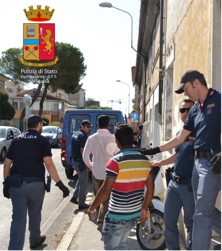 Immigrazione clandestina: maxi operazione della Polizia ...