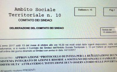 Il documento firmato a Fabriano dai sindaci dell'Ambito 10, dalle sigle sindacali unite, dagli enti ecclesiali e dalle onlus.Il documento firmato a Fabriano dai sindaci dell'Ambito 10, dalle sigle sindacali unite, dagli enti ecclesiali e dalle onlus.