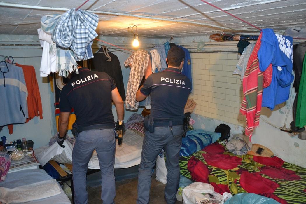 Ufficio Lavoro Senigallia : Fantasmi al lavoro nei laboratori tessili cinque arresti e sette