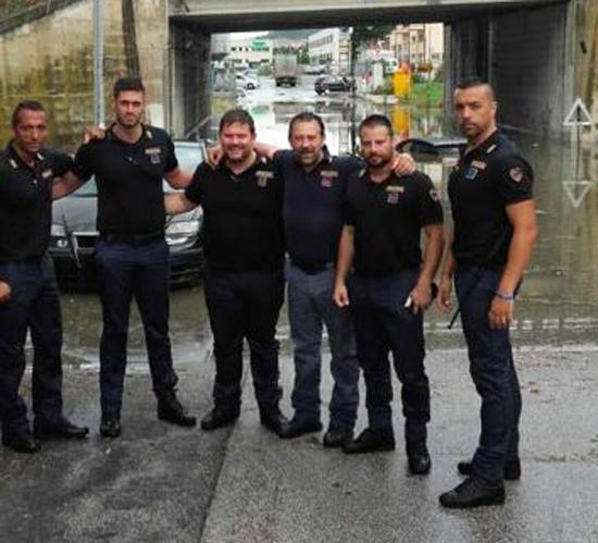 Poliziotti eroi i parlamentari meritano la medaglia al for Assistenti parlamentari m5s