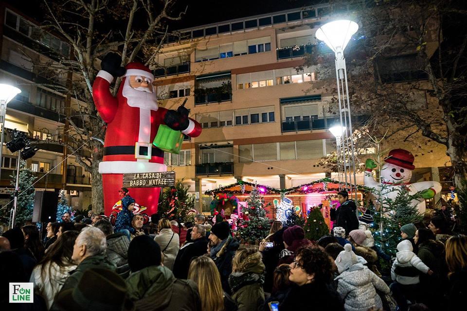 Parco Di Babbo Natale.Taglio Del Nastro Per Il Villaggio Di Babbo Natale Cronache Ancona