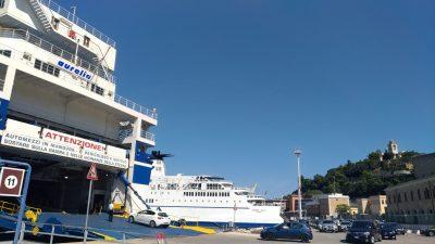 Traghetti-porto-Ancona
