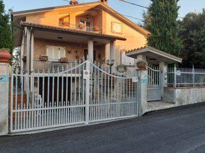 1-foto-casa-affitto-donne-400x300