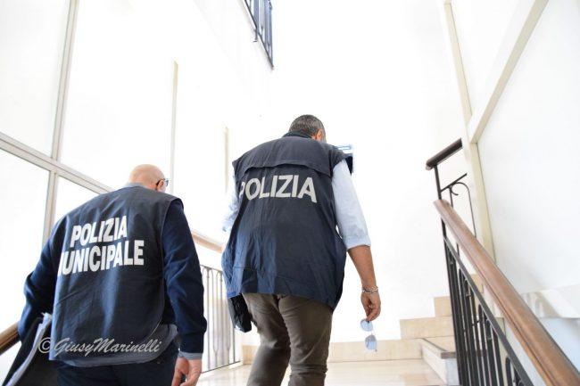 arresto_dipendente_comunale-DSC_0097--650x433