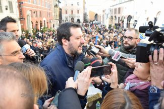 Salvini-DSC_0131-325x217