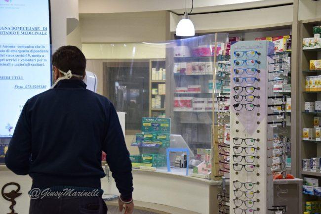 covid-DSC_0791-farmacia_Torrette-650x433