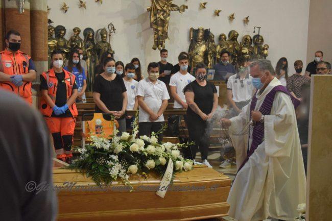 funerali_Fiorella_Scarponi-DSC_0549-650x433