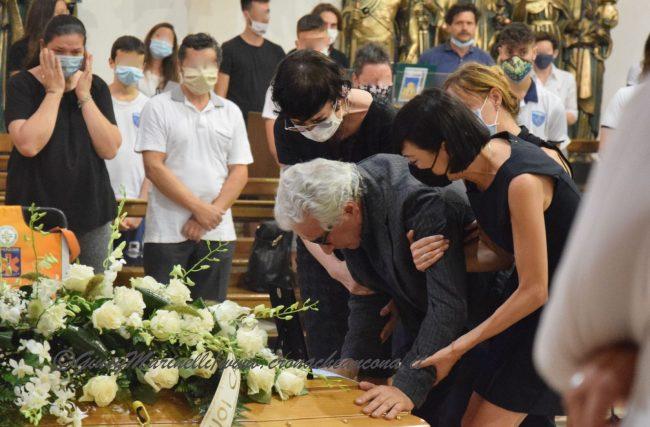 funerali_Fiorella_Scarponi-DSC_0560-1-650x427