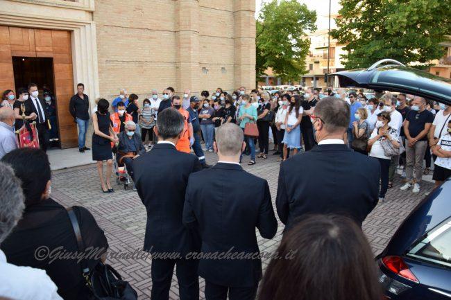 funerali_Fiorella_Scarponi-DSC_0629-650x433