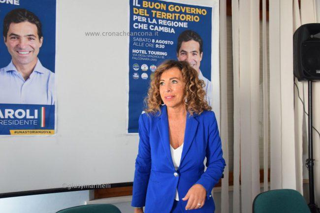 Acquaroli-sindaci-amministratori-DSC_0301-Stefania_Signorini--650x433