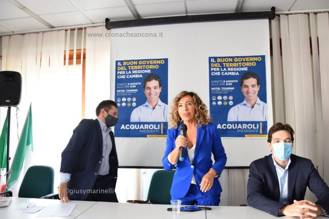 Acquaroli-sindaci-amministratori-DSC_0356-Stefania_Signorini--650x433