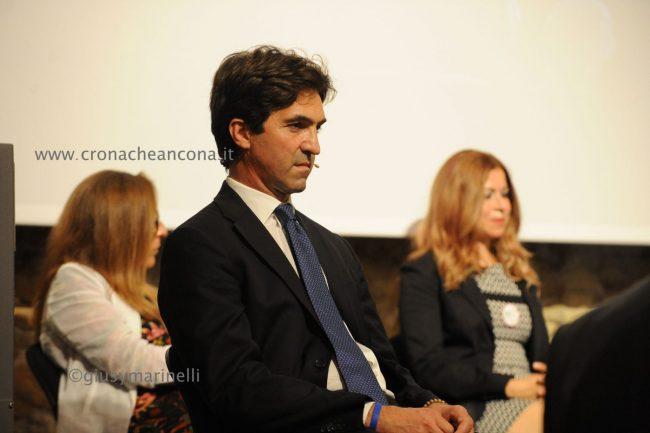 candidati_regione-DSC_4822-Francesco_Acquaroli-650x433