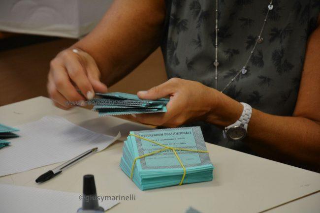 regionali-referendum-preparativi_seggi-DSC_0027--650x433