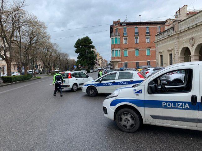 polizia-locale-ancona1-650x488