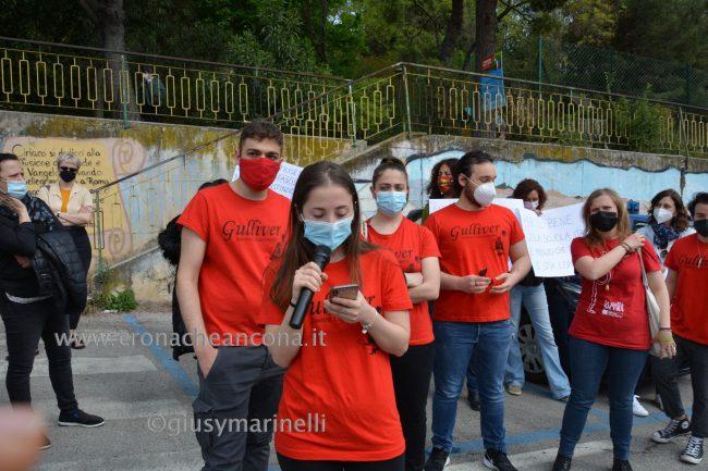 sit-in_studenti_vs_Filisettii-DSC_0094--650x433