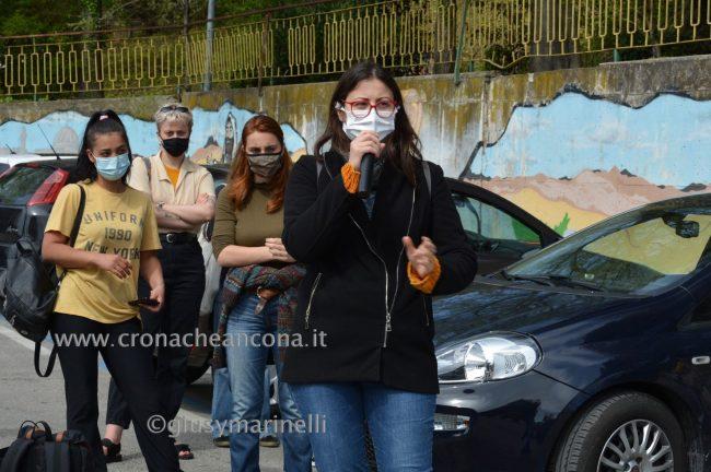 sit-in_studenti_vs_Filisettii-DSC_0121--650x432