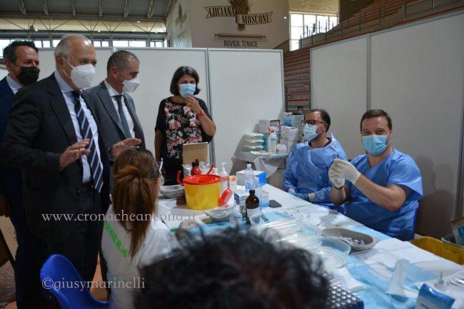 Costa-centro_vaccinale-Palaprometeo-DSC_0268--650x433
