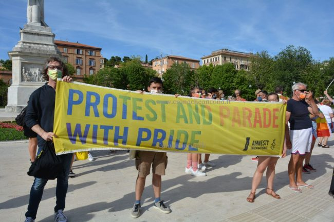 Marche_Pride-DSC_0539--650x433