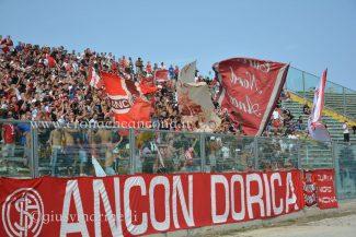 Ancona-Lucchese-del_Conero-DSC_0124-325x217